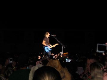 Keith Urban in the crowd