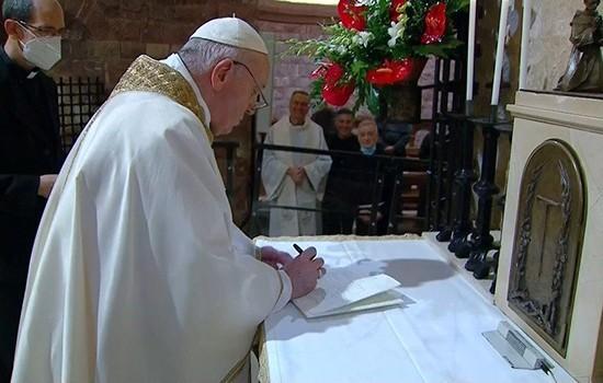 Ðức Thánh Cha ký công bố thông điệp Fratelli Tutti